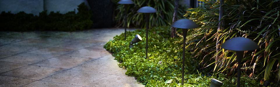 Complete Landscape Lighting Kits