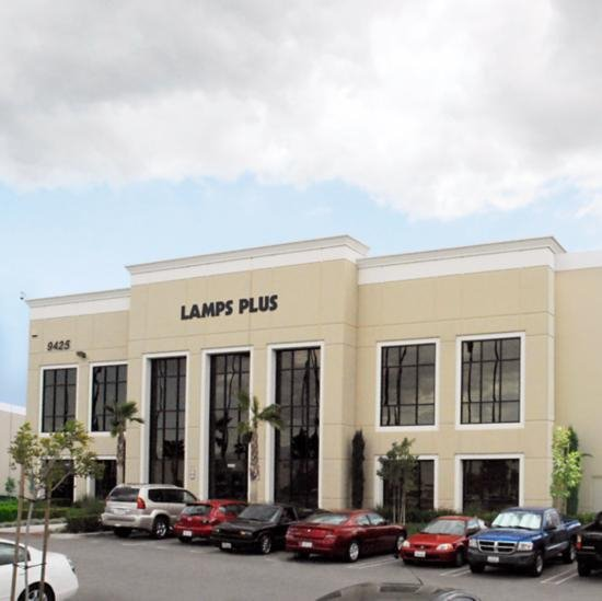 The Lamps Plus Redlands store location.